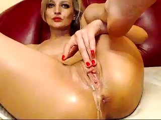 Big squirting and attrition kermis close by the massage