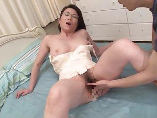Mature pamper Shinobu Ooishi enjoys a steamy sex