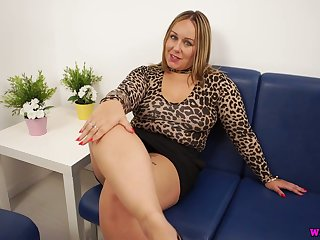Alone coupled with rapacious chubby busty slut Ashley Rider dreams of wanking a dick