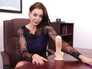 Lusty MILF Sapphire is happy to expose boobies for you not later than their way unparalleled