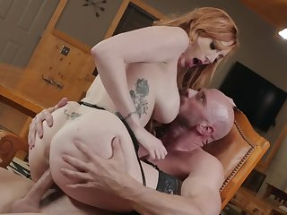 Vehement defoliated milf gets the cock to ruin her hairy cunt