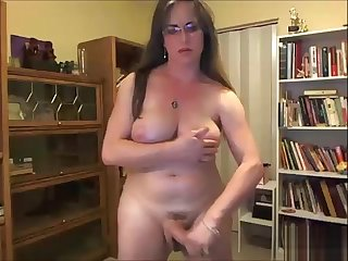 Sexiest Hung TransWoman Jumping - Watch Move behind Part On EvilCamGirls.World