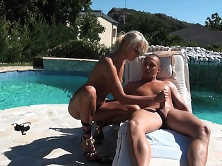 Blonde looker gets laid by the pool with respect to seductive scenes