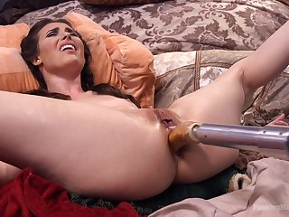 Extreme anal sex with the new going to bed machine