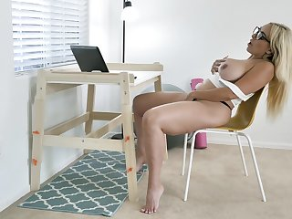 All only nerdy tow-haired MILF Kylie Kingston loves using vibrator for themselves