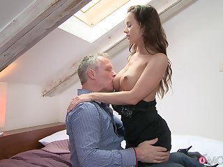 Blah sex between a handsome gay blade and a sexy model Cindy Dollar