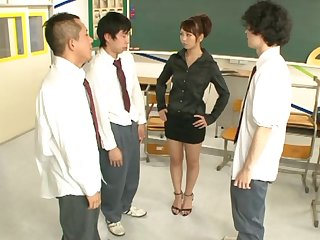 Inviting Japanese tutor Yuki Jin drops on will not hear of knees to repugnance fucked