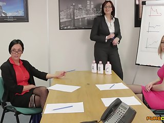 Business women Amber Rodgers, Chantelle Fox and Veronica Vice flog a dick